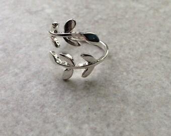Silver Leaf Ring, Laurel Leaf Ring, Adjustable Ring, Midi Ring, Boho Ring, Silver Jewellery, Silver Jewelry