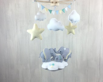 Elephant mobile - elephant family - baby mobilr - babu crib mobile - nursery decor - cloud mobile - gender neutral nursery - baby mobiles