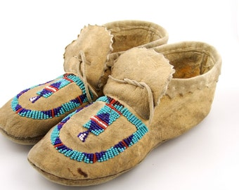 Traditional Native American Moccasins circa 1940s-60s