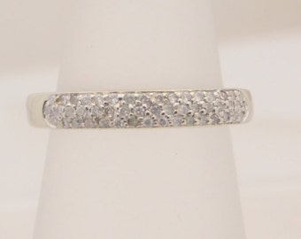 0.25 Carat T.W. Ladies Round Cut Diamond Band 14K