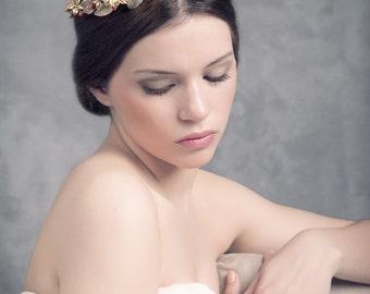 Bridal headpiece.  Bridal crown. Wedding headpiece. Gold headpiece. Style 528