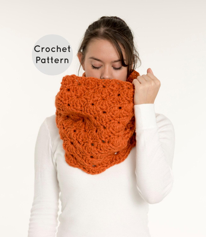 Crochet Infinity Scarf Pattern Shell : CROCHET PATTERN Chunky Crochet Shell Stitch Infinity Scarf