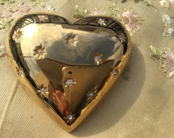 1980's Large gold tone Heart Brooch with 13 Sparkling Crystals.....