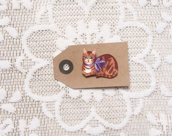 Tabby cat pin [ginger + purple bow] [hand drawn]