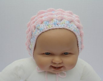 ADORABLE Hand Knitted baby bonnet /hat with ties, Vintage Handmade, for baby girl, newborn to 3 months old