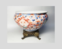 Antique Porcelain Gadrooned Cup with Flowers Decor - Late 19th Century