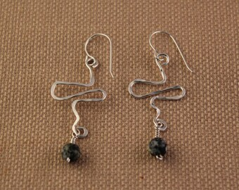 Hammered silver wire earrings with jasper bead