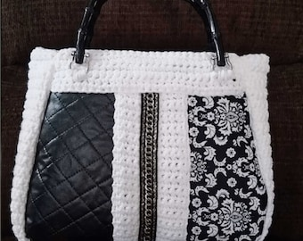 Handmade Crocheted Purse w/Bamboo Handles