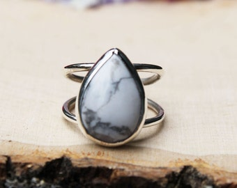 Double-banded White Howlite Ring