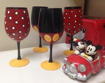 Mickey & Minnie inspired wine glass set