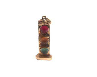14 Kt. Yellow Gold Stop Light Charm
