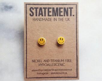 Smiley Face Stud Earrings - 1 pair