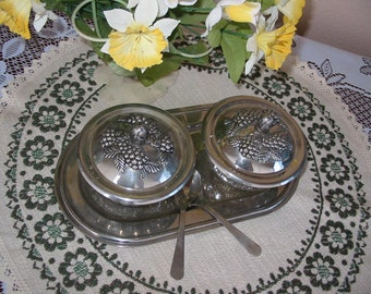 Underlays cups chiseled glass and chiselled silver metal lids