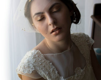 Bridal birdcage veil, tulle birdcage veil, pearl veil, eye length mini veil, nose length veil, veil, beaded veil, gold veil,