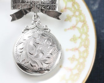 Birks Sterling Silver Locket Brooch, Small Round Vintage 1940's Lady's Bow Pin or Necklace - Historical Accent
