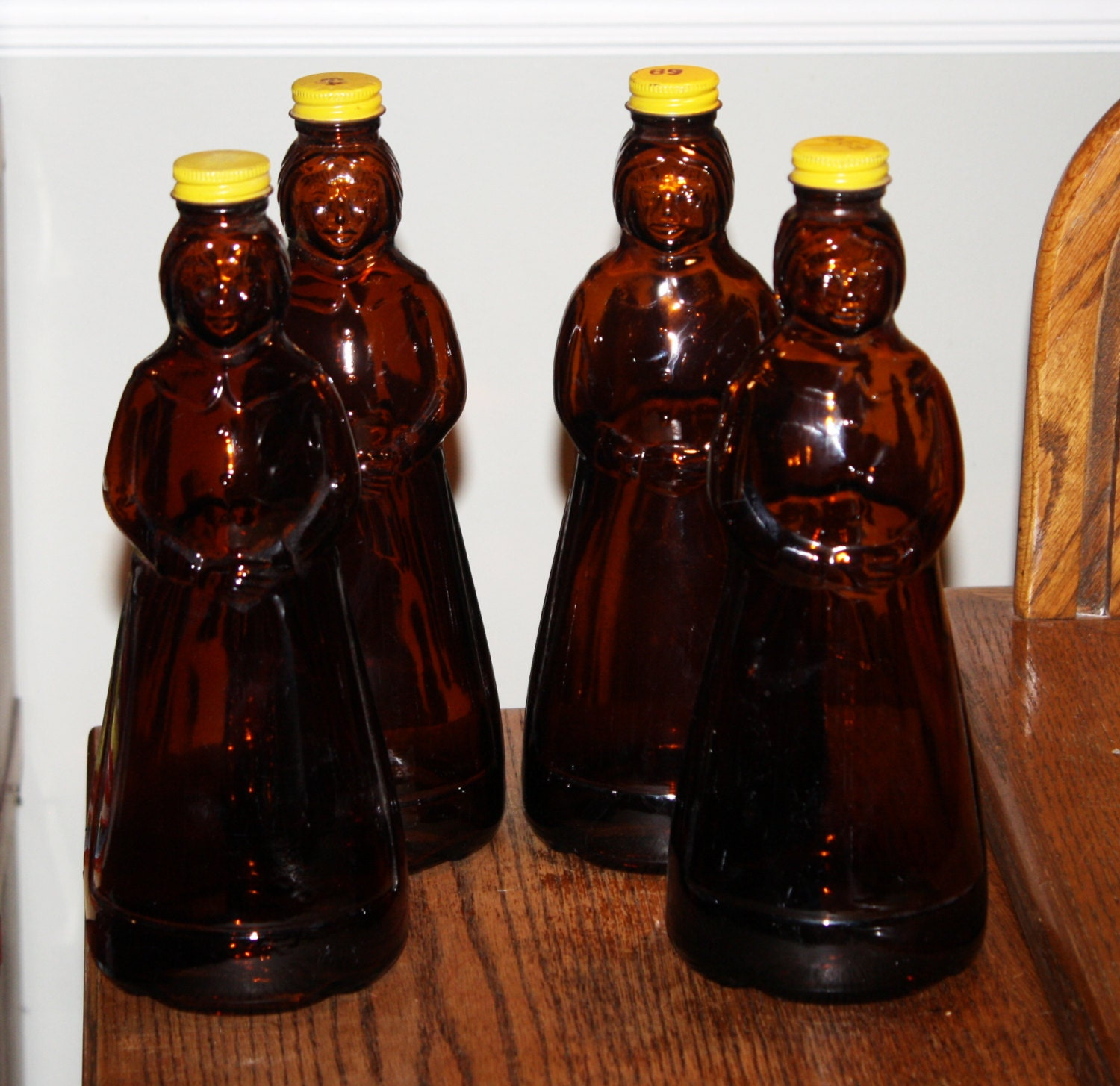 Vintage 1969-1971 Mrs. Butterworth's Maple Syrup Amber