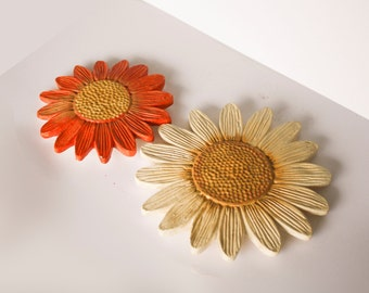 Ceramic Daisy Wall hangings in Orange and Beige