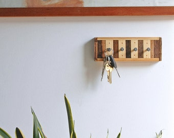 4 Hook Key Rack / Jewelry Rack Reclaimed Wood - Chonko Style