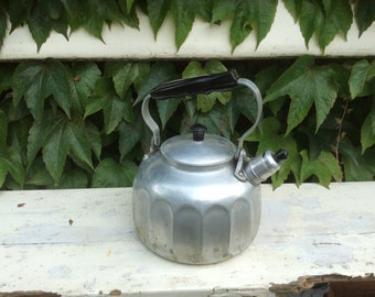 SALE 20% discount : large vintage French Almoluxe aluminum water kettle with brown bakelite handle