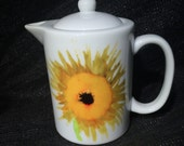 Sunflower: Teapot - Creamer - Gravy Pitcher