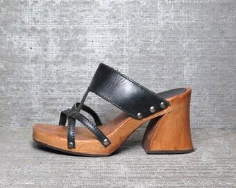 Vtg 90s Black Leather Wooden Cutout Clogs Sandals 7