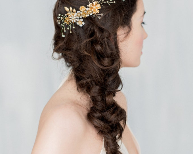 Gold Floral Hair Vine, Flower Headpiece, Flower Comb, Wedding Headpiece, Brass Comb, Pearl Hair Piece, Floral Headpiece, Hair Vine, HERMOINE