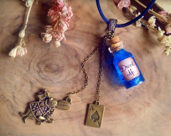 Alice in Wonderland Necklace, Drink Me Necklace, Bottle charm, bottle necklace, potion necklace, vial necklace, red queen, alice cosplay