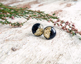 Black gold stud earrings Polymer clay jewelry Resin earrings with gold leaf 18K Black round earrings Post earring Black studs Small earrings