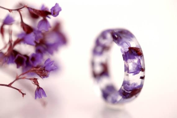 Purple flower resin ring - Botanical pressed flower -circle ring - real flower jewelry
