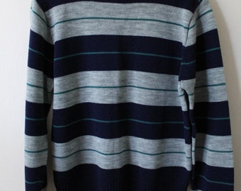 Men's 90s acrylic pullover sweater. Size small or medium.