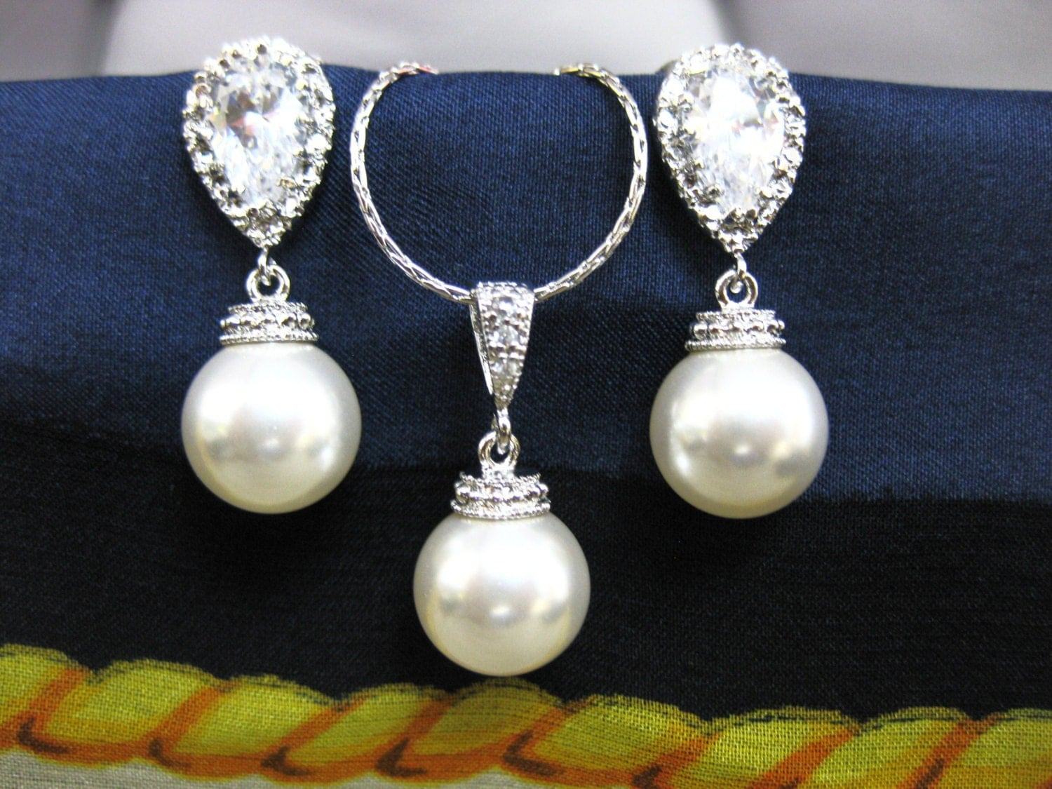 Wedding Gift Jewelry: Bridal Pearl Earrings & Necklace Gift Set Wedding Jewelry