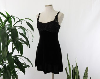 SALE // Charlotte Russe Vintage 90s Made in USA Velvet Dress Black Lace Ribbon Bustier Small Medium Mini Dress Skirt