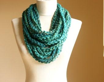 Teal crochet scarf Infinity chain scarf Emerald green multicolor autumn fall accessories Circle neckwarmer Winter fashion