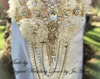 Ivory and Gold Brooch Bouquet Gold Brooch Wedding Bouquet Vintage Style Bridal Brooch Bouquet Gatsby Themed Bouquet - Deposit Only