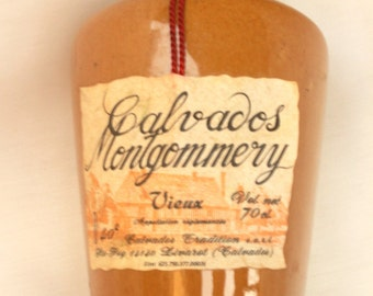 French bottle of collection- Old Calvados Montgommery - 75cl- Decoration- Collection
