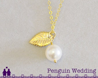 Gold Bridesmaid Gift, Pearl Leaf Charm Necklace, Bridesmaid Necklace, Jewelry Gift, Bridal Necklace, Bridal Jewelry, Wedding Party PN412