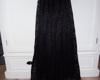 Skirt in lace size 36