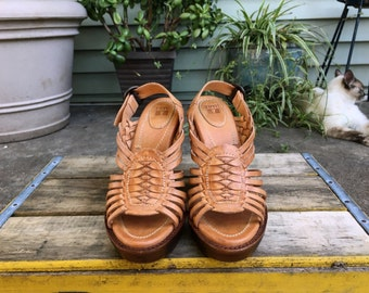 Vintage Frye Joy Huarache Platform Wood Sling Back Sandals Woven Braided Tan Leather Size 6.5 Shoes Made in Mexico