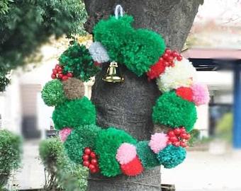Christmas wreath of pom-poms