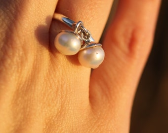 Mobile ring with pearls / Silver ring / Pearlring / Moving ring /  ring / Gold ring / Gift idea / Unique ring