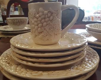 Coast to Coast Vineyard Mug and Plate Set