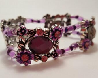 Purple stretch bracelet with swarovski elements & glass beads