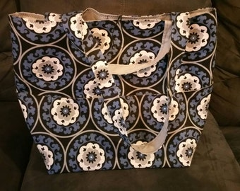 Huge Tote with Many Pockets
