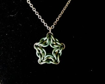 Green Titanium Star Pendant on Stainless Steel Chain Chainmaille