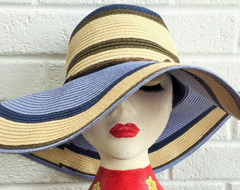 Womens vintage summer hat.