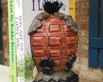 Hawaiian Pineapple Book Ends/Hawaiian Decor//Pineapple Book Ends 19 Ounces