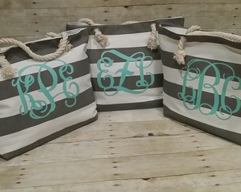 Set of 3 Bridesmaid Totes, Beach Bag, Bridesmaid Gift, Bridal Party Gift, Beach Tote, Monogrammed Tote Bag, Wedding Gift, Gift for Bride