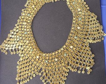 Gorgeous and unique gold tone necklace