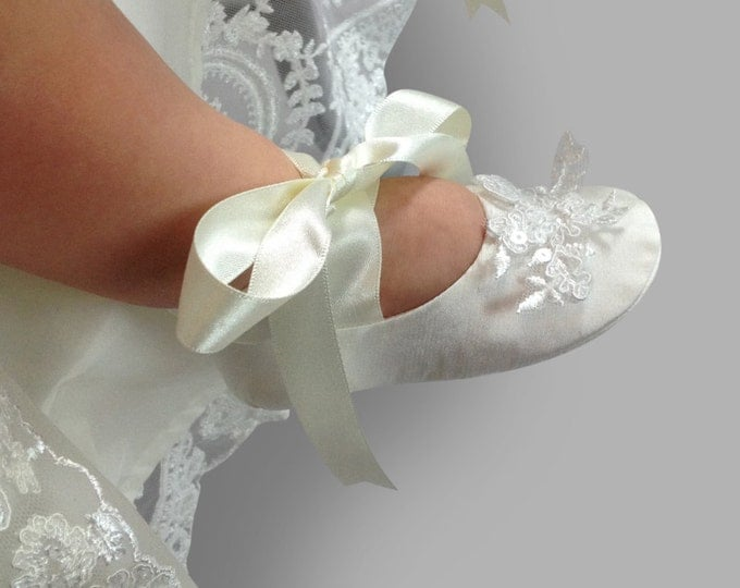 Featured listing image: Cameo Silk  Christening Booties