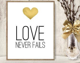 Love Never Fails Sign DIY / Yellow Gold Heart, Watercolor Heart Sign / Printable PDF Wedding Sign ▷ Instant Download